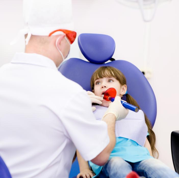 emergency dental care | child with dentist | palos heights il dentist
