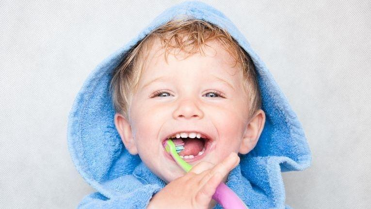little boy brushing teeth | kids' dentistry in Palos Heights